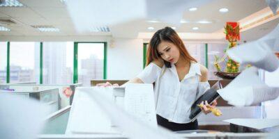 9 stretch-oefeningen voor op je werkplek